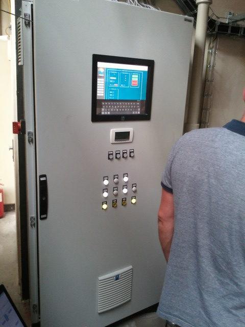 HMI SCADA - centrální rozváděč chlazení 3x100kW