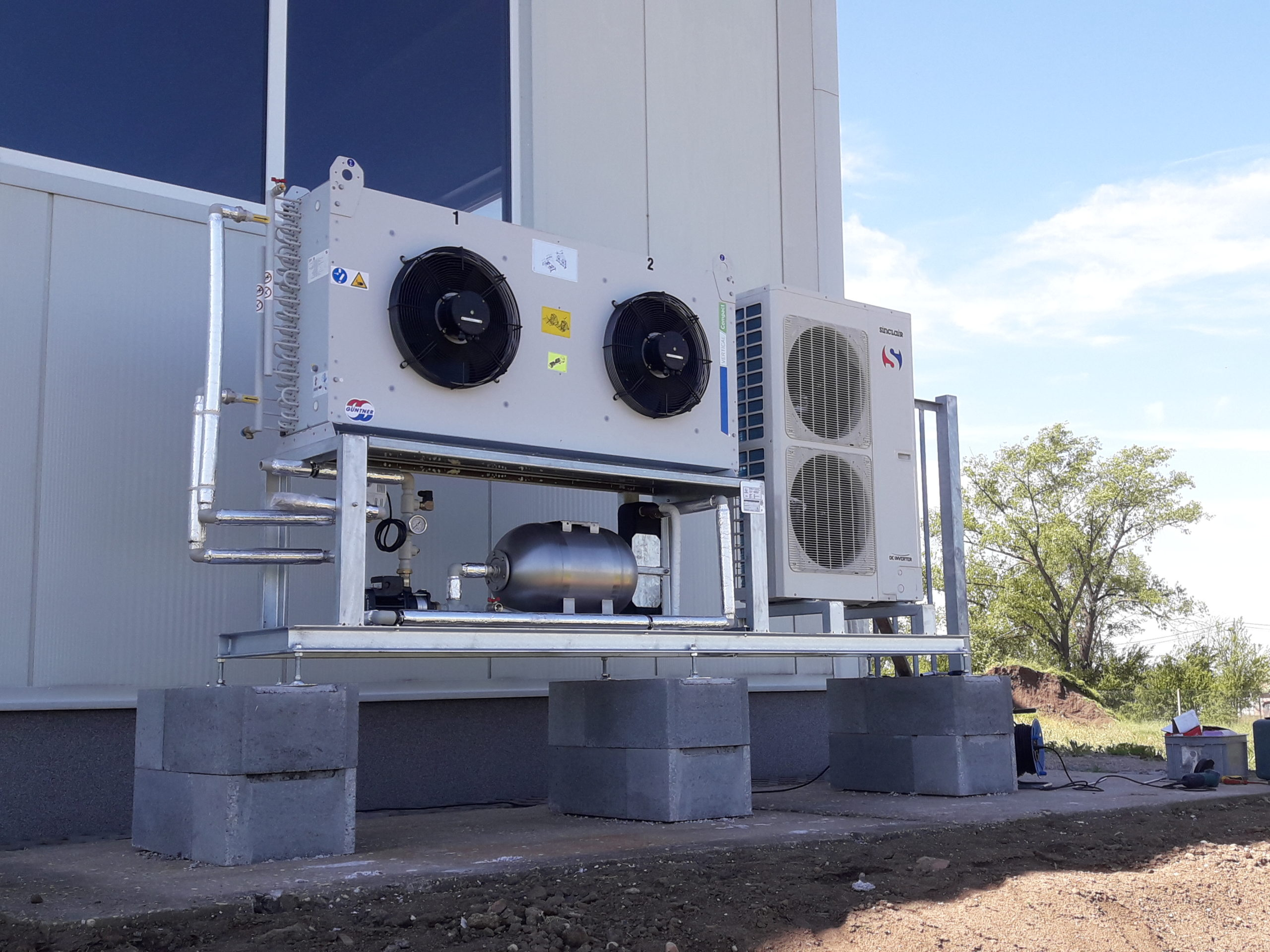 Chiller + freecooling 15kW